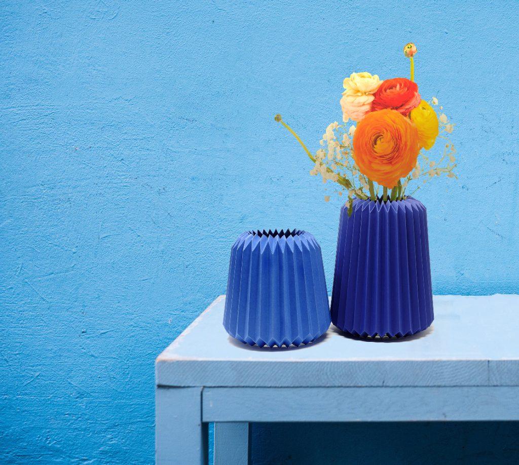 Caches-vases en papier plié, pour assortir le contenant à chaque bouquet chez Pli Ma Déco