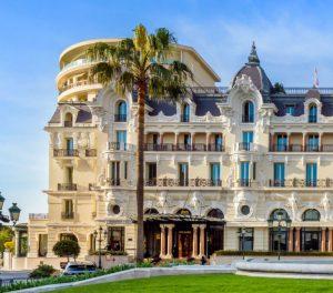La façade rococo de l'Hôtel de Paris de Monaco.