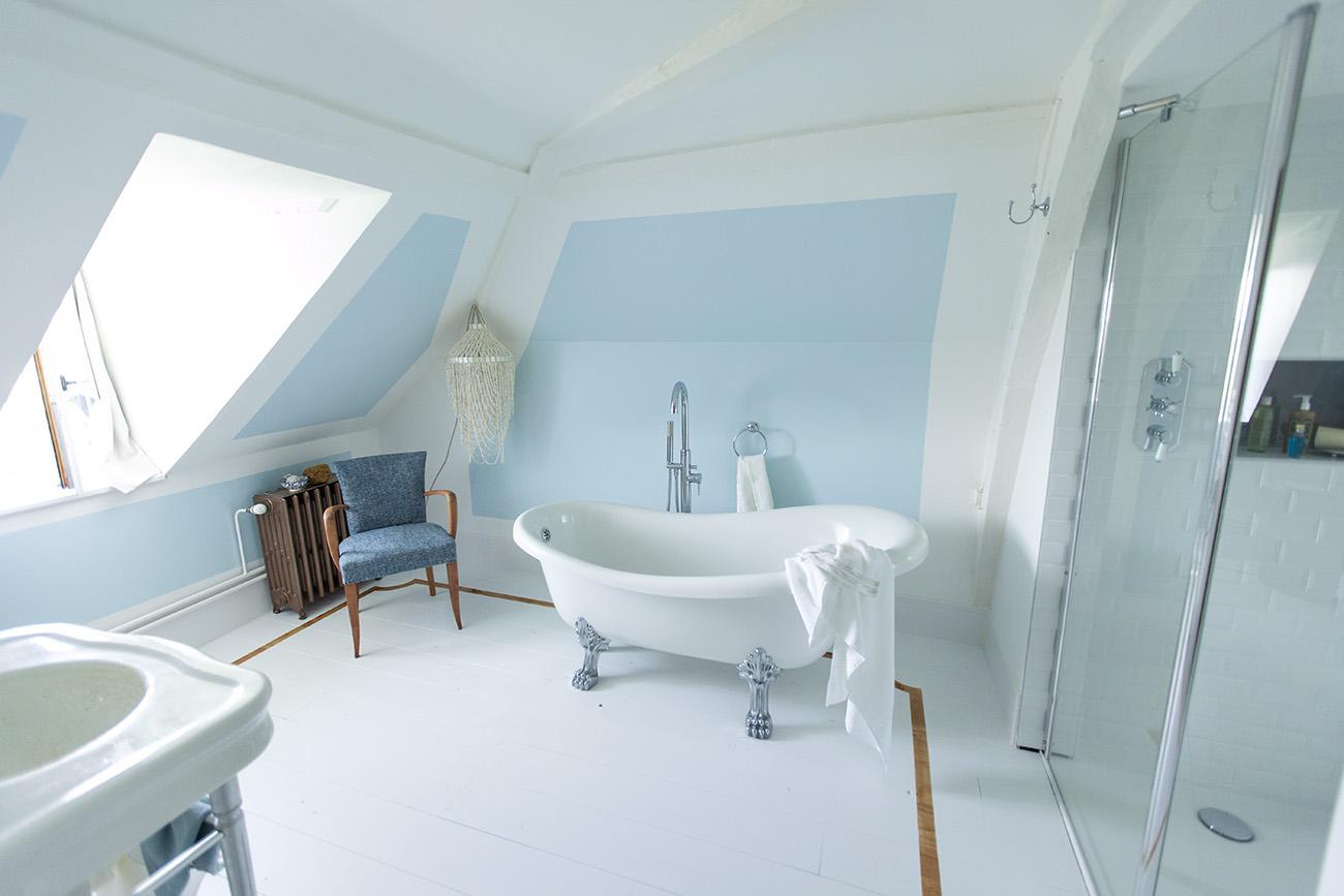 Baignoire Sous Les Combles hélène pautre - décoratrice d'intérieur – normandie