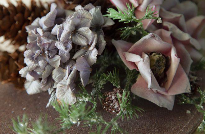 bouquet fleurs artificielles noel givre hortensia séché pomme de pin
